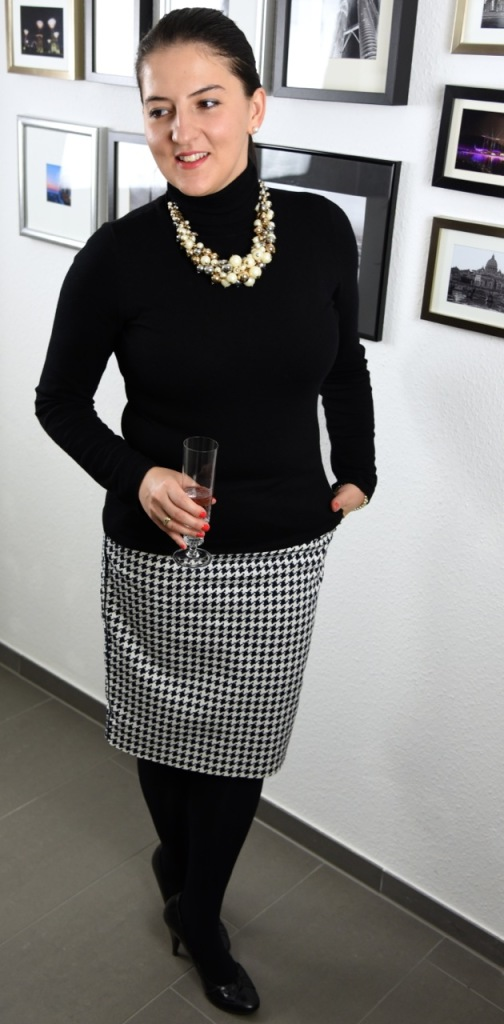 Inas Outfit for the Christmas Office Party